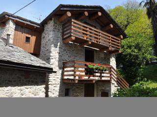 2 bedroom Chalet with Internet Access in Chiavenna - Chiavenna vacation rentals