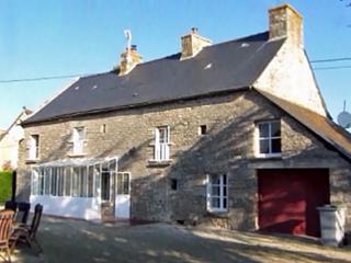 4 bedroom Farmhouse Barn with Grill in Trebedan - Trebedan vacation rentals