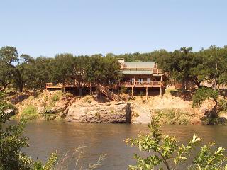 Dale River Ranch: Possum Kingdom Lake ON THE RIVER - Texas Prairies & Lakes vacation rentals