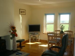 2 bedroom Cottage with Television in Fyvie - Fyvie vacation rentals