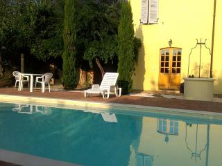 Nice Villa with Internet Access and Outdoor Dining Area - Sant'Angelo In Pontano vacation rentals