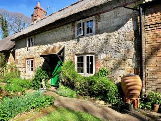 Beautiful 3 bedroom Cottage in Calbourne - Calbourne vacation rentals