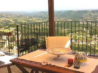 Cozy 3 bedroom Chieti Bed and Breakfast with Television - Chieti vacation rentals