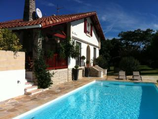Charming Studio with Internet Access and Satellite Or Cable TV - Saint-Jean-de-Luz vacation rentals