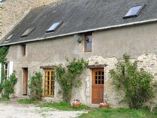 2 bedroom Gite with Television in Sainte-Mere-Eglise - Sainte-Mere-Eglise vacation rentals