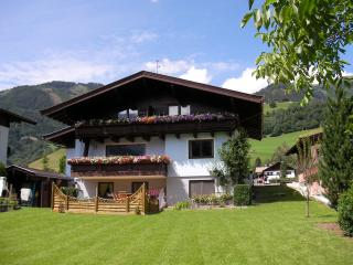 Perfect 2 bedroom Chalet in Zell am See with Internet Access - Zell am See vacation rentals