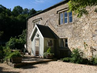 2 bedroom Cottage with Internet Access in Chalford - Chalford vacation rentals