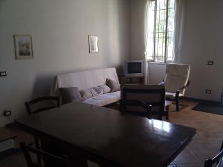 Cozy 2 bedroom Apartment in Ferrara with Internet Access - Ferrara vacation rentals