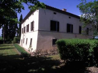 Beautiful 6 bedroom Farmhouse Barn in Asciano with Internet Access - Asciano vacation rentals