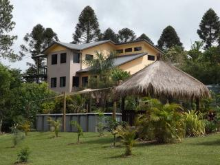 Beautiful Condo with Internet Access and Television - Malanda vacation rentals