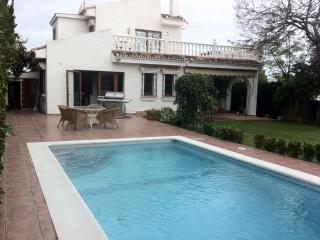 Beautiful Villa with A/C and Hot Tub - Vinuela vacation rentals