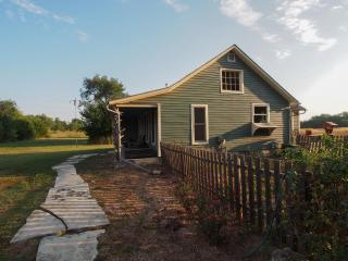 Prairieside Cottage - Nestled In The Flint Hills - Kansas vacation rentals