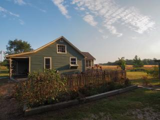 Prairieside Cottage - Nestled In The Flint Hills - Matfield Green vacation rentals