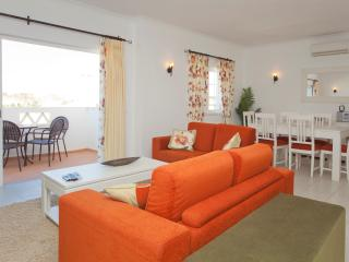Nice Townhouse with Internet Access and Dishwasher - Budens vacation rentals