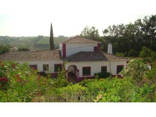 Bright 4 bedroom Cottage in Alenquer with Satellite Or Cable TV - Alenquer vacation rentals