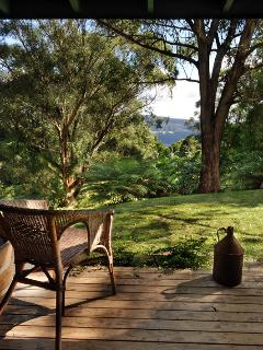 Cozy Cottage with Deck and DVD Player - Kangaroo Valley vacation rentals