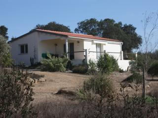 Lovely 2 bedroom Cottage in Ourique with Internet Access - Ourique vacation rentals