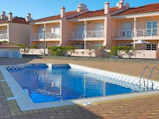 3 bedroom Villa with Satellite Or Cable TV in Salir do Porto - Salir do Porto vacation rentals