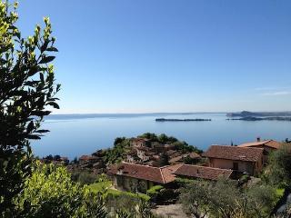 Villa Borgo-Patio - Gardone Riviera vacation rentals