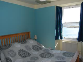 Lovely 3 bedroom Condo in Tobermory with Internet Access - Tobermory vacation rentals