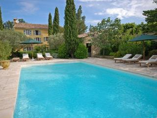 Villa in Pernes Les Fontaines, Provence, France - La Roque sur Pernes vacation rentals