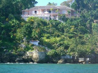 5 bedroom Villa with Internet Access in Ocho Rios - Ocho Rios vacation rentals