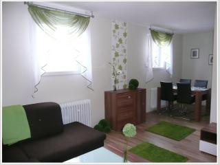 Sunny Apartment in Cochem with Internet Access, sleeps 4 - Cochem vacation rentals
