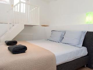 Centre townhouse - four double beds - Amsterdam vacation rentals