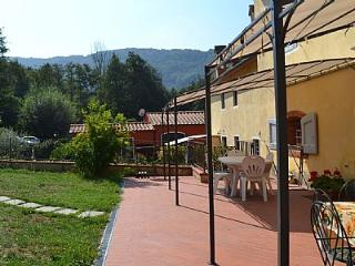Bright 4 bedroom Vacation Rental in Serravalle Pistoiese - Serravalle Pistoiese vacation rentals