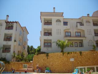 Lovely 1 bedroom Albir Condo with Elevator Access - Albir vacation rentals