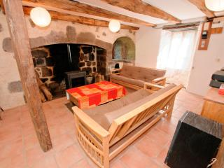 Comfortable Farmhouse Barn with Dishwasher and Freezer - Aurillac vacation rentals