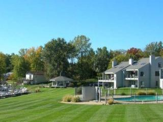 2 bedroom House with Internet Access in South Haven - South Haven vacation rentals