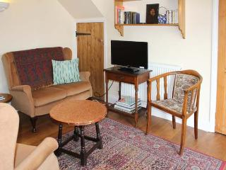 PICKLE COTTAGE, en-suite facilities, patio with furniture, great base for walking, Ref 12183 - Middleton vacation rentals
