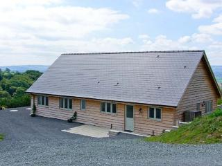 GLENTRAMMAN LODGE, quality pet-friendly lodge, superb views, stabling available, near Welshpool Ref 904606 - Welshpool vacation rentals