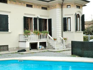 Beautifully restored villa near Lucca with private - Ponte a Moriano vacation rentals