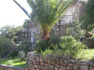 villa indipendente su 2 livelli.  Vista mare - Baia Sardinia vacation rentals