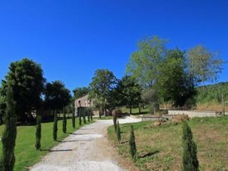 Spacious Villa with Dishwasher and Ping Pong Table in Castelplanio - Castelplanio vacation rentals