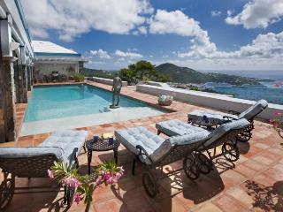 Sunny 5 bedroom North Side Villa with Internet Access - North Side vacation rentals