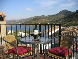 3 bedroom House with A/C in Alcaudete - Alcaudete vacation rentals