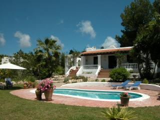 Beautiful Villa with Tennis Court and Satellite Or Cable TV - Sant Carles de Peralta vacation rentals