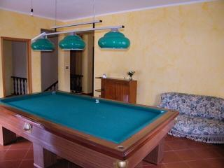 Bright 4 bedroom Cottage in Librizzi with A/C - Librizzi vacation rentals