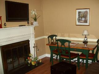 One Bedroom Condo in the Heart of Gatlinburg (Unit 413) - Gatlinburg vacation rentals