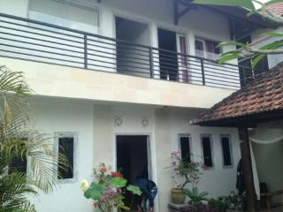 Baby Balu Villa -Green views- 5min drive to beach - Tegalmengkeb vacation rentals