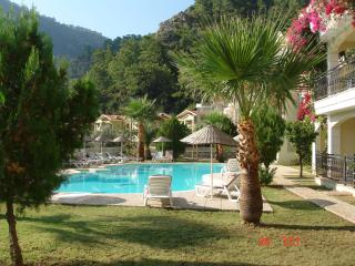"""Siraz"" 32 Fidan 2 apartments. - Turunc vacation rentals"