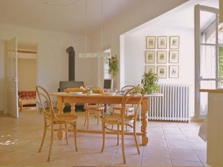 JdV Holidays Old Savonnerie 1, beautiful 2 bedroom apartment, walking to town - Vence vacation rentals