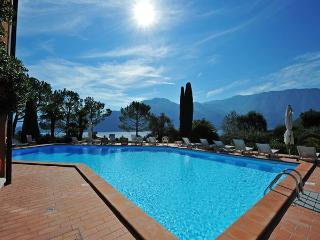 Romantic 1 bedroom Condo in Mezzegra - Mezzegra vacation rentals