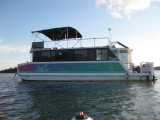Kayla, Anchorage Resort - HOUSEBOAT - Corlette vacation rentals