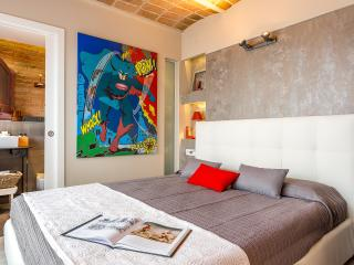 Penthouse Vintage Suite with terrace (5.3) - 20% OFF MARCH STAY - Barcelona vacation rentals