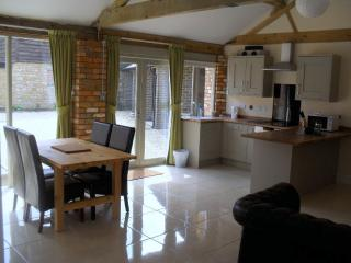 Otters Holt, Towcester, Northamptonshire. - Towcester vacation rentals