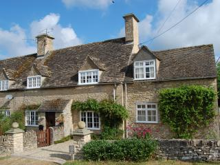 Period Cotswold Cottage - Cottage Awarded Gold Rating By English Tourist Board - Great Rissington vacation rentals